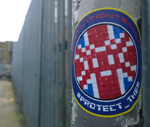 London, Shoreditch, Ladbroke Grove, Kings Cross, Street art, Space Invader, mosaics, reactivation, ressurectin, stickers