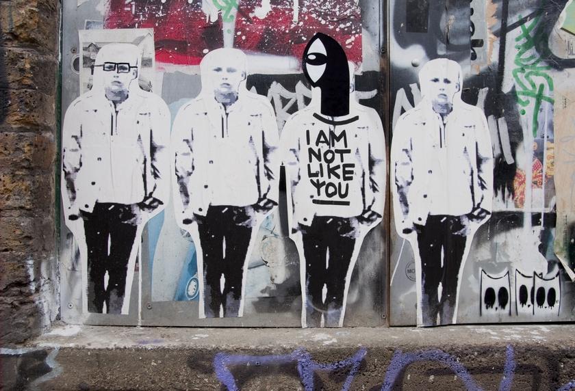 London, Shoreditch, Street art, guided tours, guide, artists, collaboration, intervention, St8ment, Noriaki