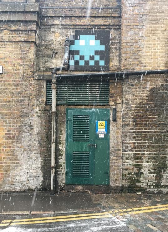 Street art, street artists, Shoreditch, London, snow,mosaic, tiles, LDN_106