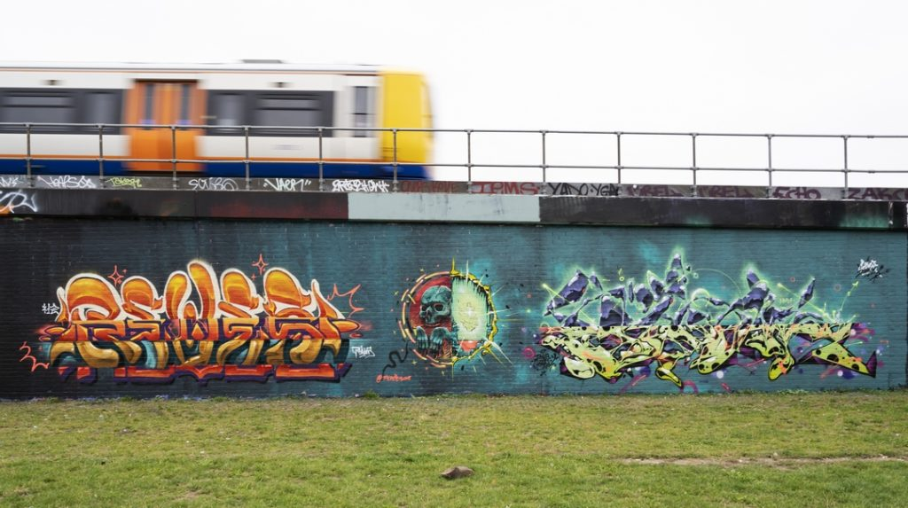 Brilliant Shoreditch Graffiti pieces by Reves One and Sidok